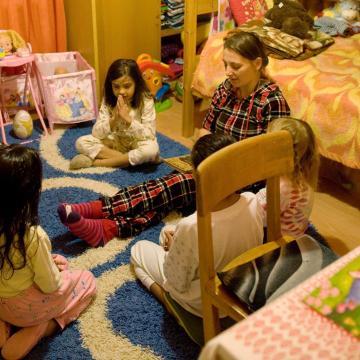 A jelenlegi kormány évről évre bővíti a családtámogatásokat