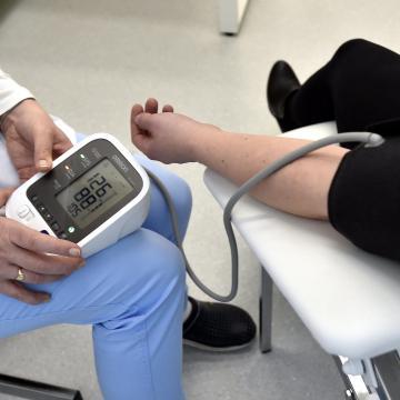 Egymillióan szenvednek magas vérnyomásban, aminek szövődményei halálosak is lehetnek