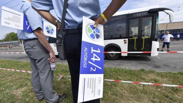 Elloptak egy buszt Szegeden