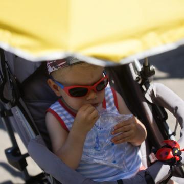 Januártól bevezetik a nevelőszülői gyermekgondozási díjat