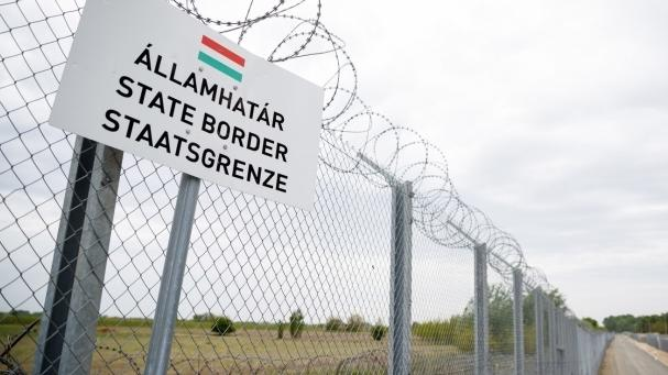 Kéttucatnyi afgán migránst tartóztattak fel