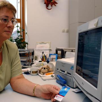 Minden településen biztosított az elektronikus önkormányzati ügyintézés