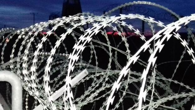Afgán és iraki migránsokat tartóztattak föl