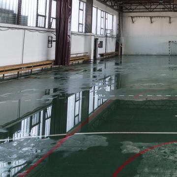 Beázás miatt nincs tanítás egy kaposvári iskolában