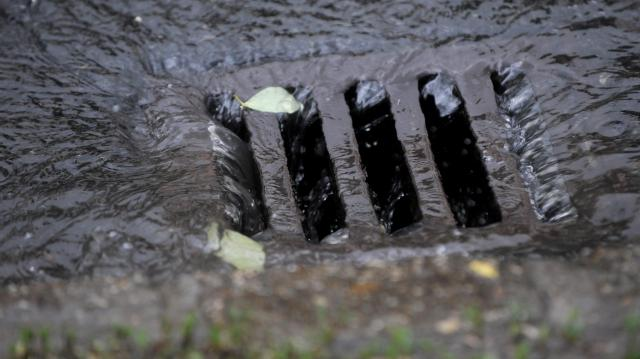 Felújítják az esővízcsatornákat a Pacsirta és a Tavasz utcákban