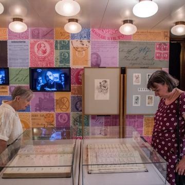 Kiállítás nyílt az első postai levelezőlap megjelenésének 150. évfordulója alkalmából