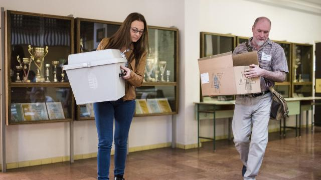 Még egy hétig jelentkezhetnek az átjelentkezéssel szavazók
