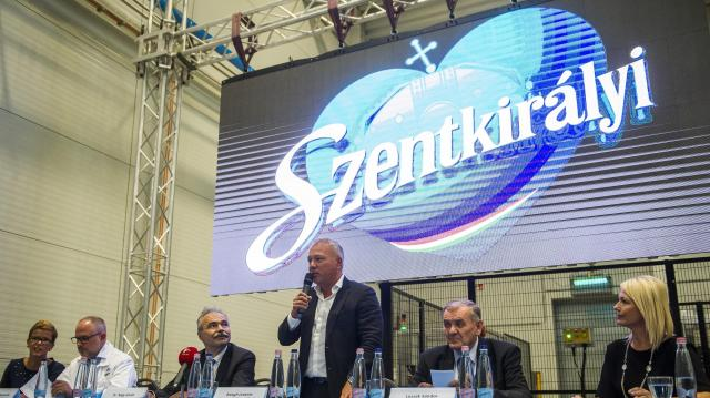 Szentkirályi Magyarország vállalati márkanevet használja az élelmiszeripari cégcsoport