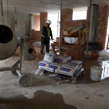 Szolgálati házakat építenének az üresen álló praxisokat betöltő háziorvosoknak