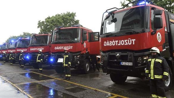 Újabb járművek a katasztrófavédelemnél