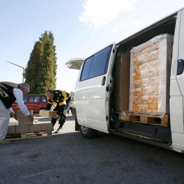 Gyermeknap - Több mint 10 ezer gyermeknek oszt édességcsomagot az élelmiszerbank
