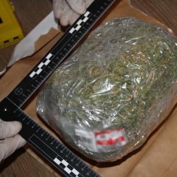 Kábítószerrel kereskedtek