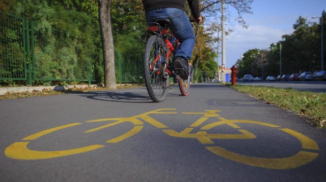Kerékpárút épül Sándorfalva és Ópusztaszer között