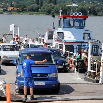 Kompösszeköttetés létesül Neszmély és Dunaradvány között
