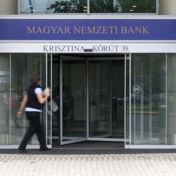 Hamarosan lejár a régi ezer és ötezer forintos bankjegyek átváltási határideje