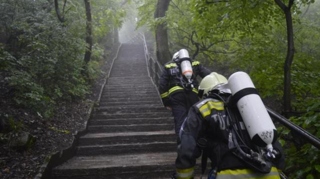 Senki sem fut gyorsabban lépcsőn a somogyi tűzoltóknál