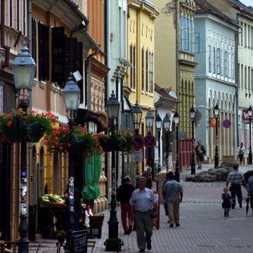 Tízből több mint nyolc magyar saját tulajdonú ingatlanban él