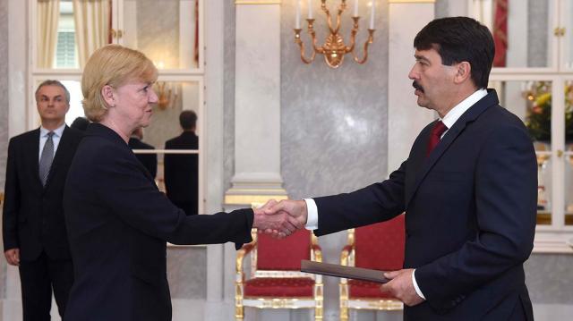 Átvette kinevezését a Kaposvári Egyetem új rektora
