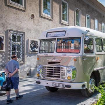 Az Ikarus-gyár történetéről nyílt kiállítás Székesfehérváron