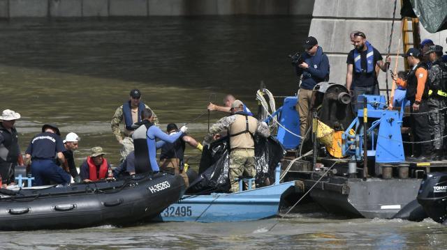 Dunai hajóbaleset - Rendőrség: a Margit hídnál megtalált nő is a Hableány utasa volt