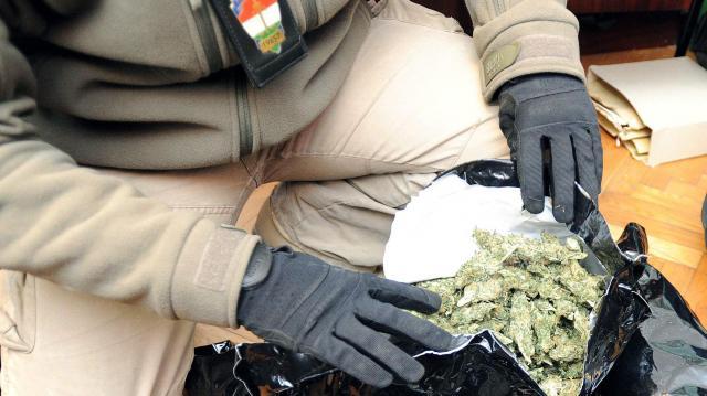 Kábítószer-kereskedőket fogtak el Szegeden