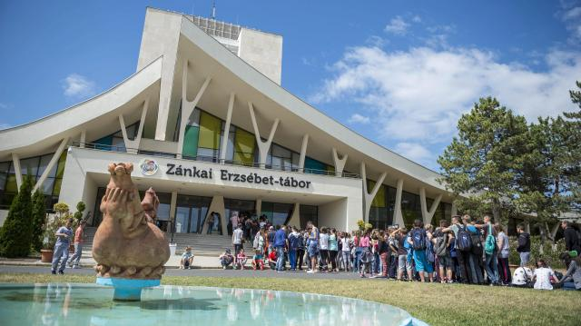 Miskolcról ingyenes Erzsébet-vonatok viszik a Balatonhoz a gyerekeket