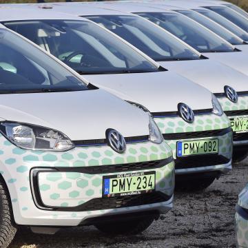 Ötmillió kilométert tettek meg a Mol közösségi autóival