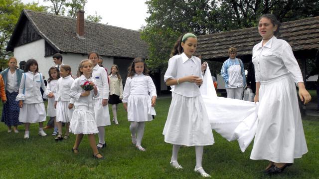 Pünkösd - Ünnep és népszokások