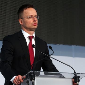 Szijjártó Péter: A világ egyik autóipari nagyhatalmává vált Magyarország