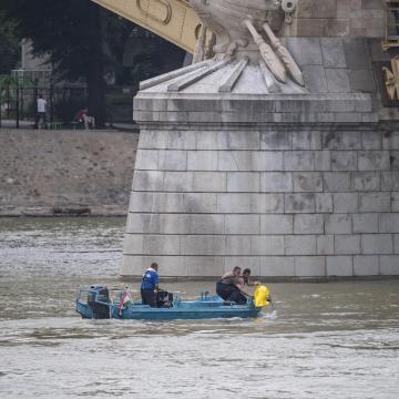 Valószínűleg a Hableány matrózának holttestét találták meg a Szabadság hídnál