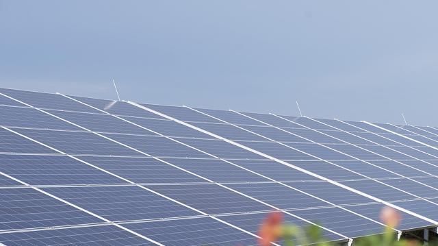 Indul a kis kapacitású napelemes rendszerek támogatásának pályáztatása