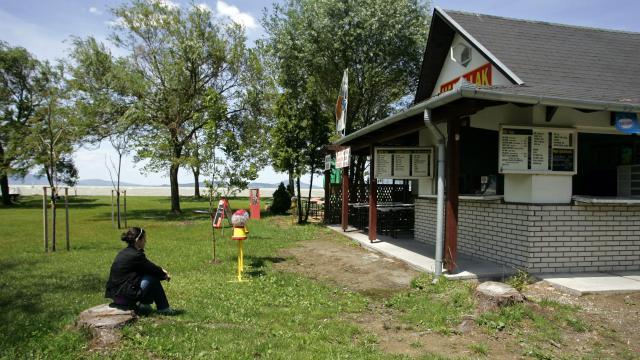 Nehezen találnak munkaerőt a vállalkozók a Balatonnál