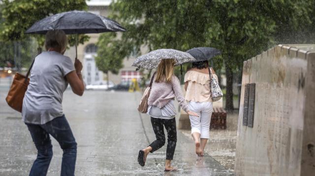 Országszerte várható zápor, zivatar a hétvégén is