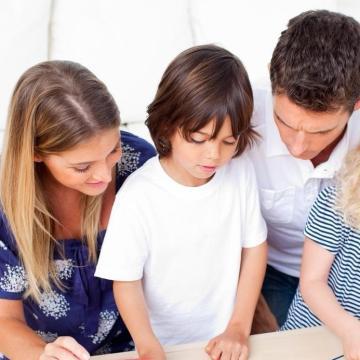 Rétvári: Nagy az érdeklődés a családvédelmi akcióterv elemei iránt