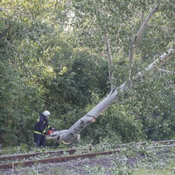 Vihar - Két vonalon továbbra sem közlekednek a vonatok