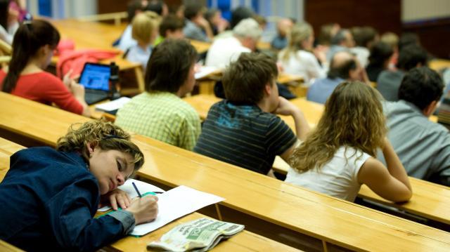 A magyarok több mint harmada diplomás