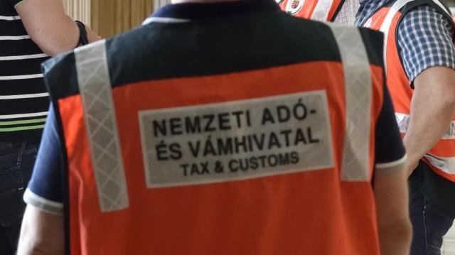 Folytatja az ellenőrzéseket a NAV Baranyában