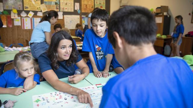 Novák Katalin: Egy ország akkor lehet sikeres, ha a munkahelyek támogatják a családokat