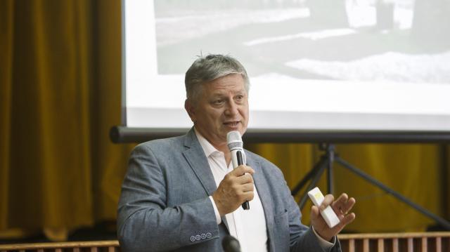 Önálló jelöltként indul Grezsa István