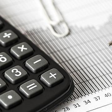 Varga: A 2020-as büdzsé egyszerre segíti a bérek növekedését és az adók csökkentését