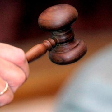 Világháborús robbanóanyagokat gyűjtése miatt emeltek vádat hat férfi ellen