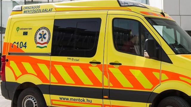 Villanyoszlopnak ütközött és meghalt egy motoros Abádszalókon