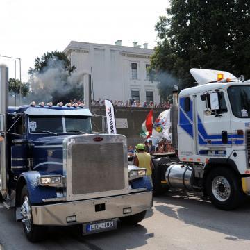 A legszebb és legerősebb kamionok gyűlnek össze Szegeden a hétvégén