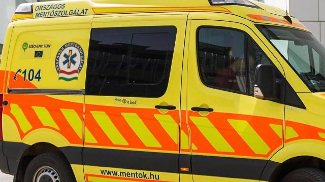 Öten sérültek meg egy elalvó autós miatt