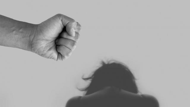 Rendőrök vetettek véget a bántalmazásnak Kaposváron