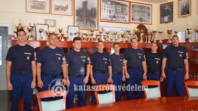 Újonc tűzoltók álltak szolgálatba
