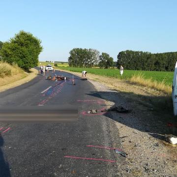 Balesetben meghalt egy lábatlani motoros