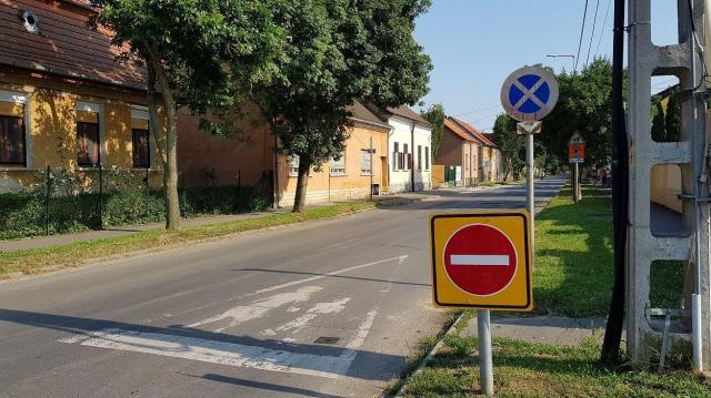 Kikerüli a Kisfaludy utcát a 12-es busz