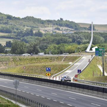 Közúti és vasúti fejlesztésekre lehet számítani a jövőben