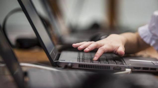Újabb szolgáltatásokkal bővült a NAV az online ügyintézése